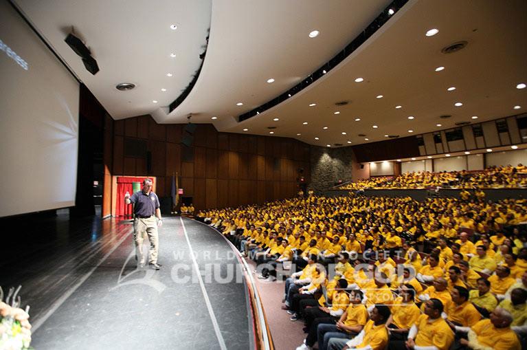 yellow shirt, volunteers