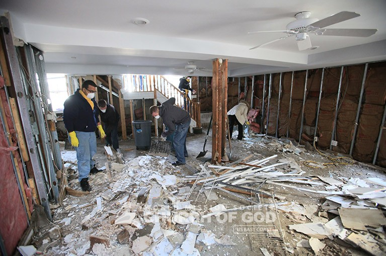 (Church of God) WMSCOG Members clean up my home