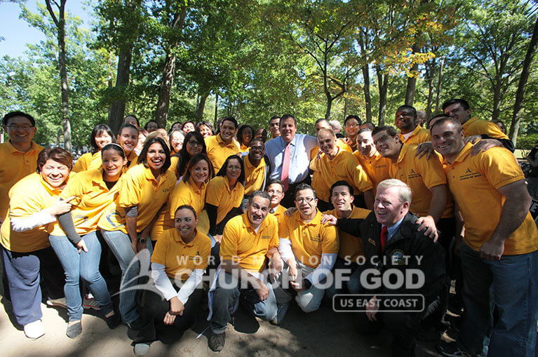 Group picture of World Mission Society Church of God during 2013 Bergen County Senior Picnic