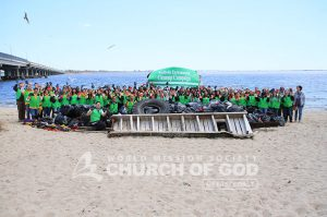 Group photo of World Mission Society Church of God volunteers after Jamaica Bay Cleanup 2015