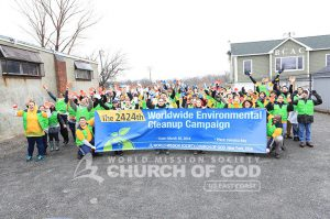 Group photo of World Mission Society Church of God volunteers after Worldwide Environmental Cleanup Movement for Passover 2014