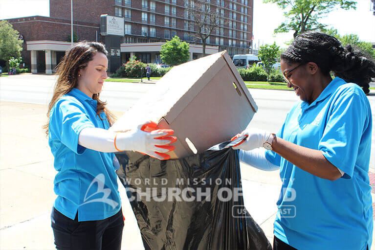 ASEZ volunteers discarding waste from Jefferson Community and Technical College