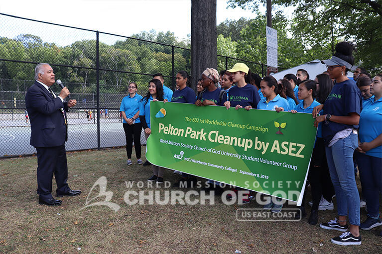 New York State Assemblyman Nader Sayegh giving words of encouragement to ASEZ during the Pelton Park cleanup in Yonkers, NY