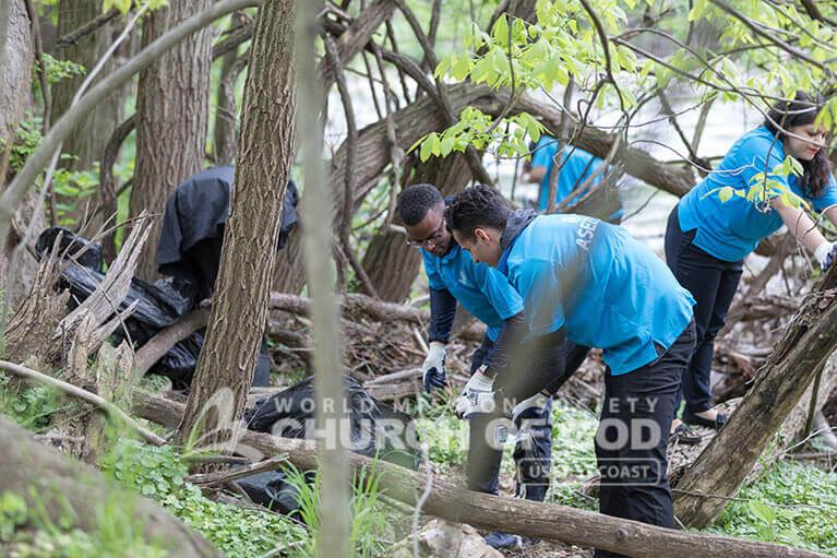 ASEZ volunteers picking up trash from Herring Run Park in Baltimore, MD.